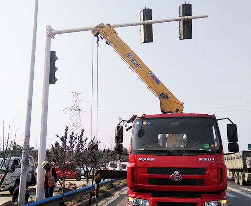 河南交通信号灯杆